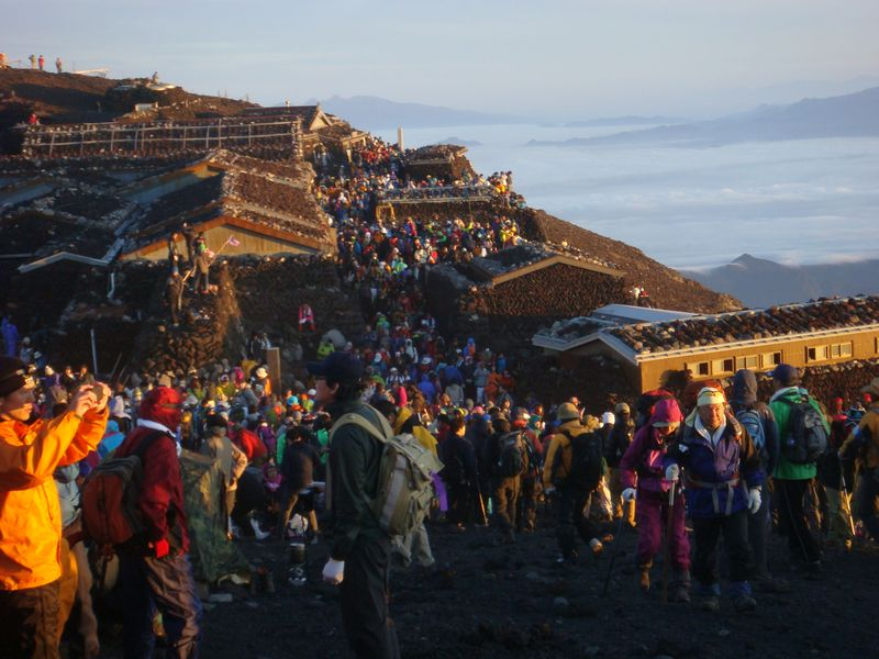 Fuji crowds at sunrise